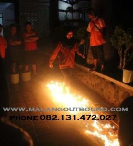 269325883_1_644x461_outbound-murah-trawas-fire-walking-batu-kota-2